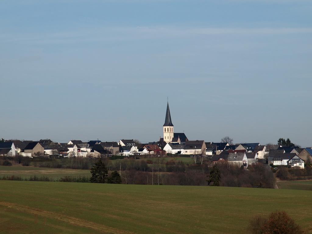 Februar 2011