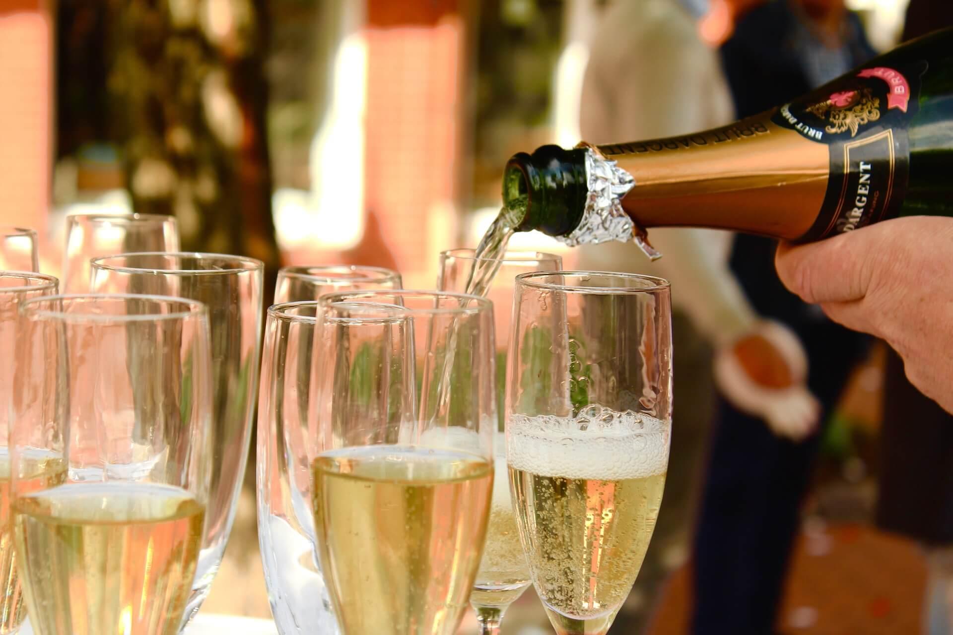 pixabay-champagne-2407247_1920